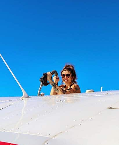 fueling airplane with avgas